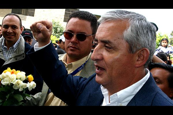 Otto_Perez_Molina_2007-600x400 Jorge Ramos - Periodista y Escritor