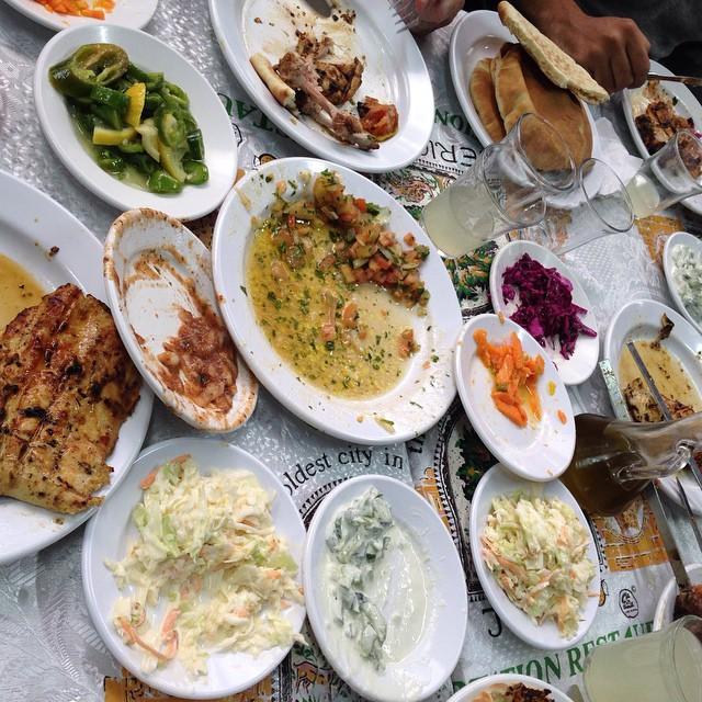 Meal in Jericho/ Comida en Jericó
