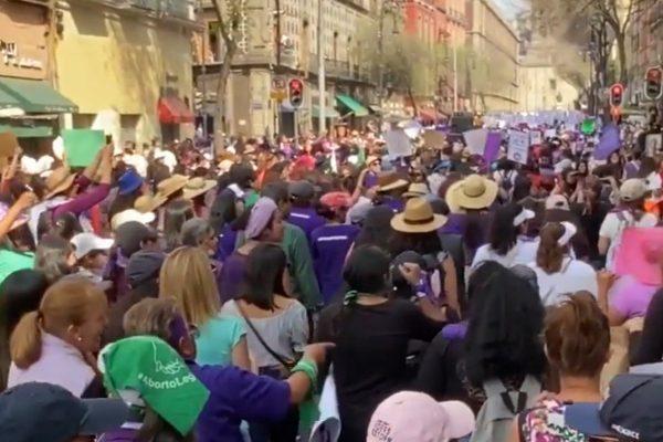 Real America con Jorge Ramos: La revolución femenina de México