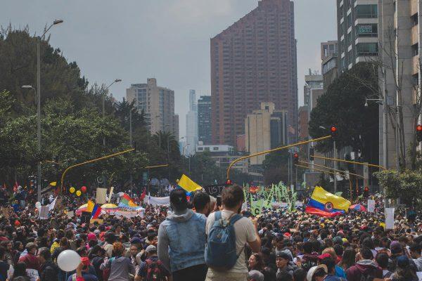 """COLOMBIA: """"NOS SEGUIMOS MATANDO"""""""